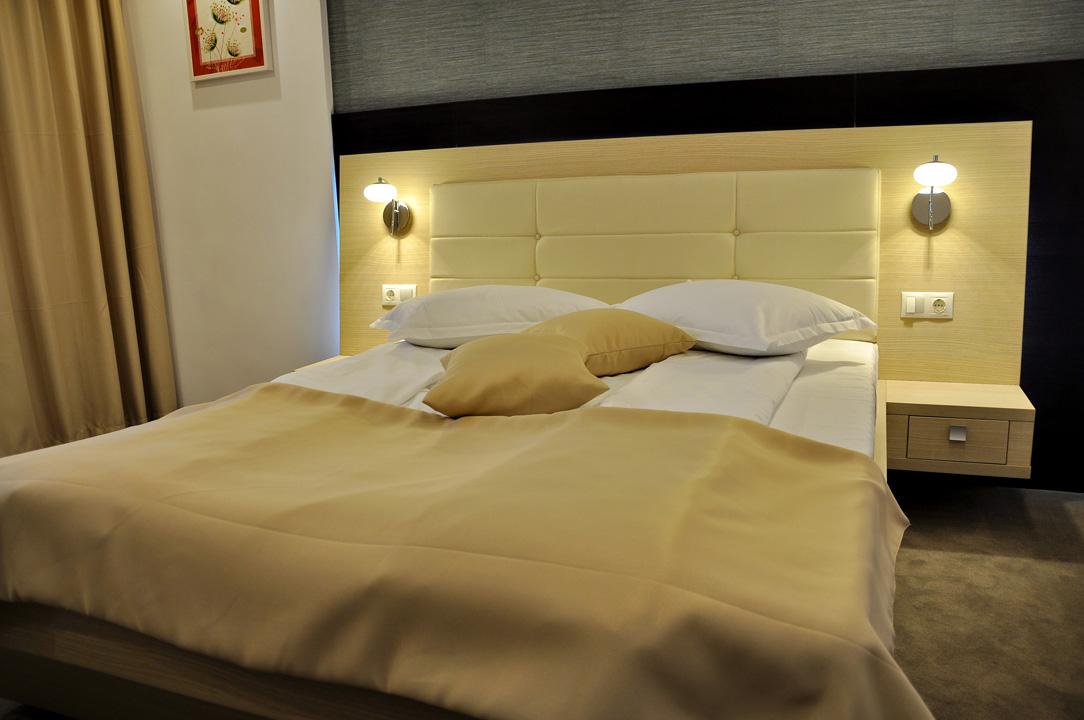 Modern Confortabil Nova Hotel 1 3 Deluxe