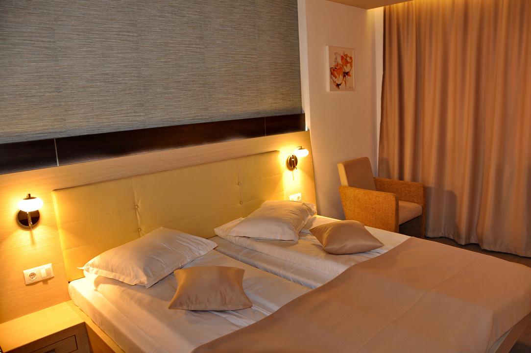 Modern Confortabil Nova Hotel 4 3 Deluxe